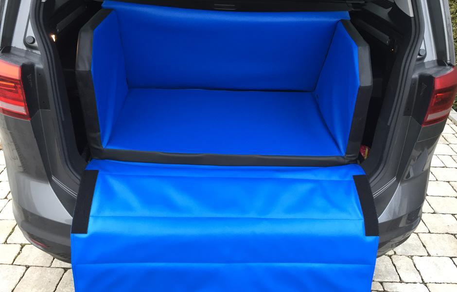 hundebetten kofferraum hundeboxen bucher. Black Bedroom Furniture Sets. Home Design Ideas